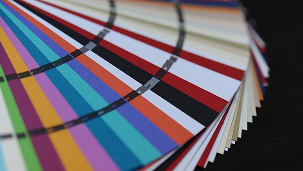 Mua giấy in hợp nhu cầu giúp tiết kiệm chi phí